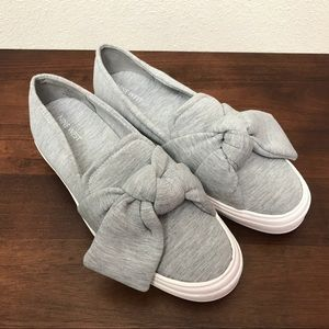 Nine West Oriao Bow Tie Fashion Sneakers